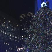 Les 50.000 lumières du sapin du Rockefeller Center ont été allumées