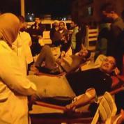 Egypte : des proches des victimes se pressent à l'hôpital