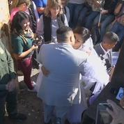 Un Américain et une Mexicaine se marient à travers la frontière