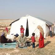 Les civils syriens fuient les combats dans la province d'Idleb