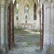 À VENDRE : une chapelle néo-gothique «à emporter»