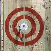 Le lancer de haches, un nouveau sport tendance venu du Canada