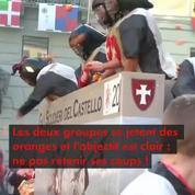 La traditionnelle bataille des oranges à Ivrée en Italie