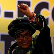 Winnie Mandela, ex-épouse de Nelson Mandela, décède à l'âge de 81 ans