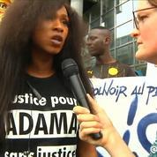 Manifestation du 26 mai : le collectif Justice pour Adama sur les marches de l'opéra Bastille
