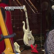 Un guitare de Prince vendue 225 000 dollars aux enchères