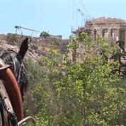 Fin des programmes d'aide en Grèce : est-ce la fin de la crise ?