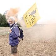 Indre : manifestation contre le rachat de terres par les Chinois