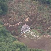 Au Japon, le bilan du séisme s'alourdit à 18 morts