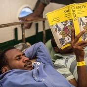 Europa : ce livre jaune lu par les migrants