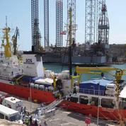 Migrants : le Panama retire son pavillon au navire de sauvetage L'Aquarius