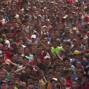 Des milliers de migrants honduriens toujours bloqués à la frontière entre le Guatemala et le Mexique