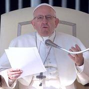 Le Pape François compare l'avortement au recours à un