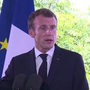 Saint-Martin : Emmanuel Macron répond à la polémique du doigt d'honneur