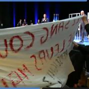 Emmanuel Macron interpellé par un étudiant en Belgique