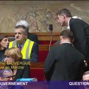 Jean Lassalle porte un gilet jaune à l'Assemblée nationale : séance suspendue