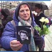 Un an après la mort de Johnny, ses fans lui rendent hommage à la Madeleine