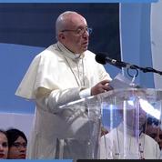 Depuis Panama, le pape François prend la défense des migrants