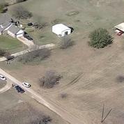 Texas : quatre enfants séquestrés et affamés découverts dans une grange