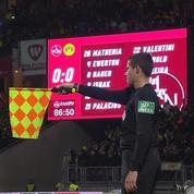 22e j.- Le but de la victoire de Dortmund refusé pour hors-jeu