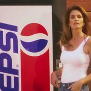 Cindy Crawford fait un remake de la campagne Pepsi de 1992