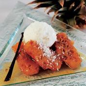 Ananas rôti à la vanille, glace noix de coco