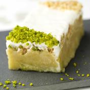 Cake à la rhubarbe, pistache et yaourt