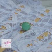 Une créatrice australienne façonne des bijoux avec votre placenta