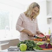 Ménopause : quels réflexes alimentaires adopter ?
