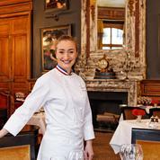 Coup de food féminin au Saint James à Paris