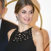 Letizia Ortiz, une reine d'Espagne moderne et sexy avec son chignon