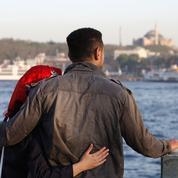 Turquie : les autorités déconseillent aux futurs mariés de flirter en public