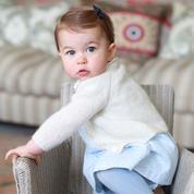 Charlotte de Cambridge, la poupée d'Angleterre a 1 an