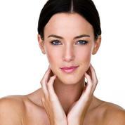 Maquillage : comment avoir l'air bronzée sans passer par la case UV ?