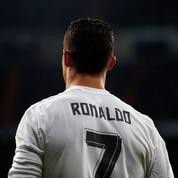 Cristiano Ronaldo : dans l'intimité du joueur le plus bling-bling de l'Euro 2016