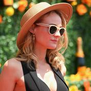Le canotier, chapeau de l'été des filles stylées