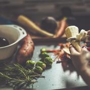 Comment cuisiner fanes, épluchures de légumes et carcasses ?