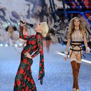 Défilé Victoria's Secret 2016 : Lady Gaga, divine parmi les Anges