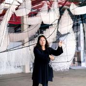 Chiharu Shiotal, la femme araignée s'installe au Bon Marché