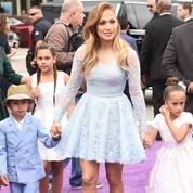 Angelina Jolie, Julia Roberts, Céline Dion : ces célébrités qui ont eu des jumeaux