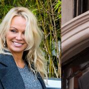 Pamela Anderson serait en couple avec Julian Assange