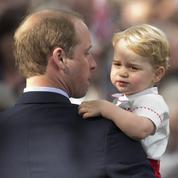 Le prince George et son uniforme à 430 € intégreront une école maternelle d'élite en septembre