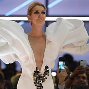 Le public ému aux larmes quand Céline Dion reprend le tube de