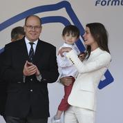 Charlotte Casiraghi emmène son fils Raphaël à l'ePrix Formule E de Monaco