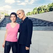 Dialogue féminin et féministe entre Maria Grazia Chiuri et Marine Serre, gagnante du prix LVMH