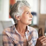 Les femmes vivent plus longtemps que les hommes, mais en moins bonne santé