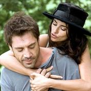 Brad Pitt et Angelina Jolie, Emma Stone et Andrew Garfield… Ces couples qui se sont formés face caméra