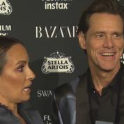 La détresse d'une journaliste lors d'une interview lunaire avec Jim Carrey