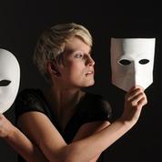 «Beaucoup de pièces de théâtre diffusent un message psychothérapeutique»