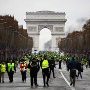 «Gilets jaunes» : Paris se barricade par crainte de nouvelles violences samedi